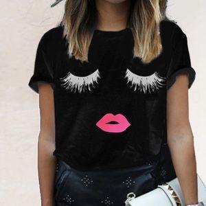 Tops - Eyelash black graphic print T-shirt